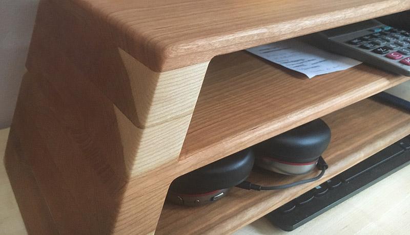 monitor riser for software corner detail